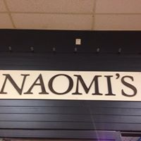 Naomi's Grill logo