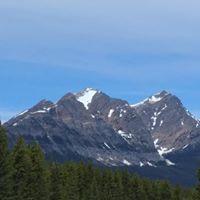 Mount Robson Store logo