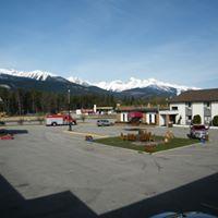 Premier Mountain Lodge & Suites logo