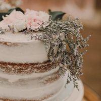 Fabulous Cakes by Jenn logo