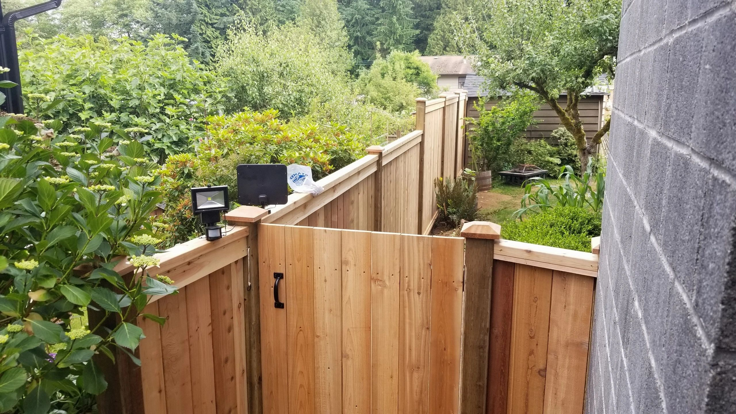 Capilano Fence & Decking - North Vancouver Fence Builder logo